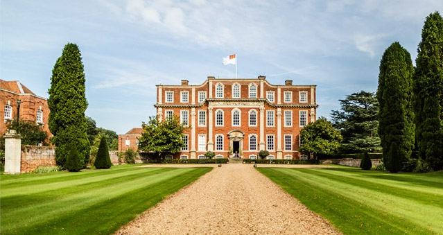 Right angle corporate events venues - Chicheley Hall Venue - Buckinghamshire