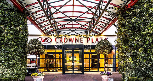 Right Angle Corporate events venues - Crowne Plaza Five Lakes - Essex