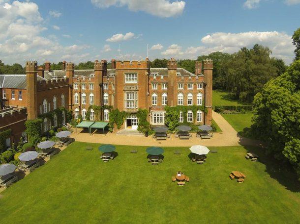 Right angle corporate events venues - Cumberland Lodge Venue - Berkshire