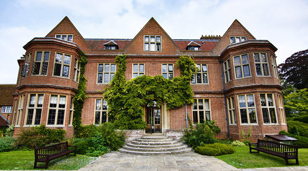 Right angle corporate events venues - Horwood House Venue - Buckinghamshire