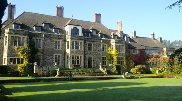 Right Angle Corporate Events Venues - Llangoed Hall Hotel, Wales