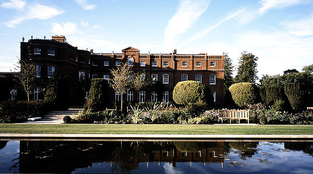 The Grove - Hertfordshire - Right Angle Corporate Events Venues