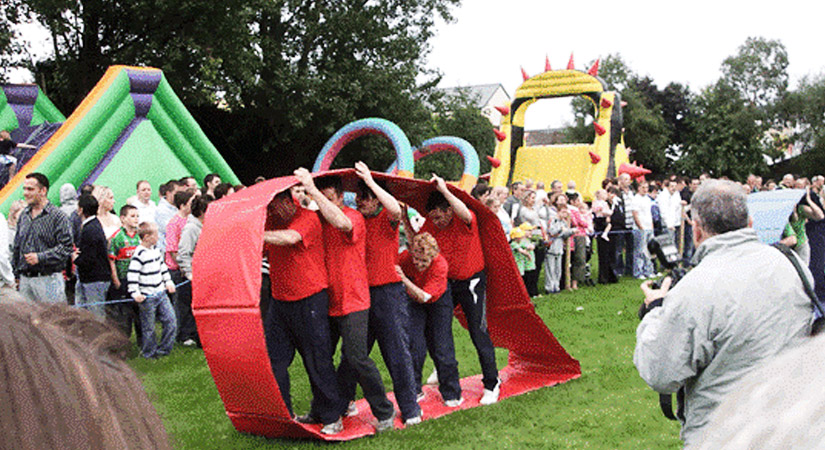 Top 40 Team Building Events in the UK - Right Angle Corporate Events - The Ultimate Team Building Event
