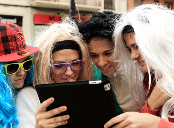 Top 40 Team Building Events in the UK - iPad Movie Making - Right Angle Corporate Events